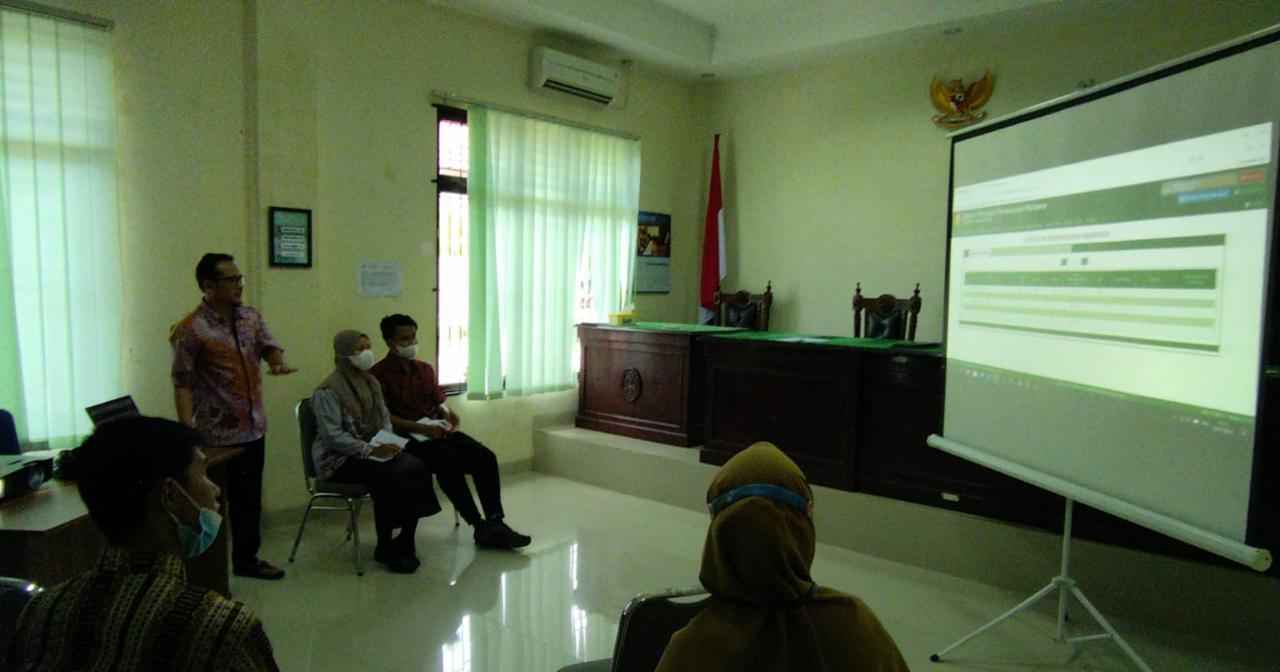 Mahasiswa PKL Prodi HKI Perdalam Materi Penggunaan Aplikasi SIPP dan E-Court di Pengadilan Agama Muntok
