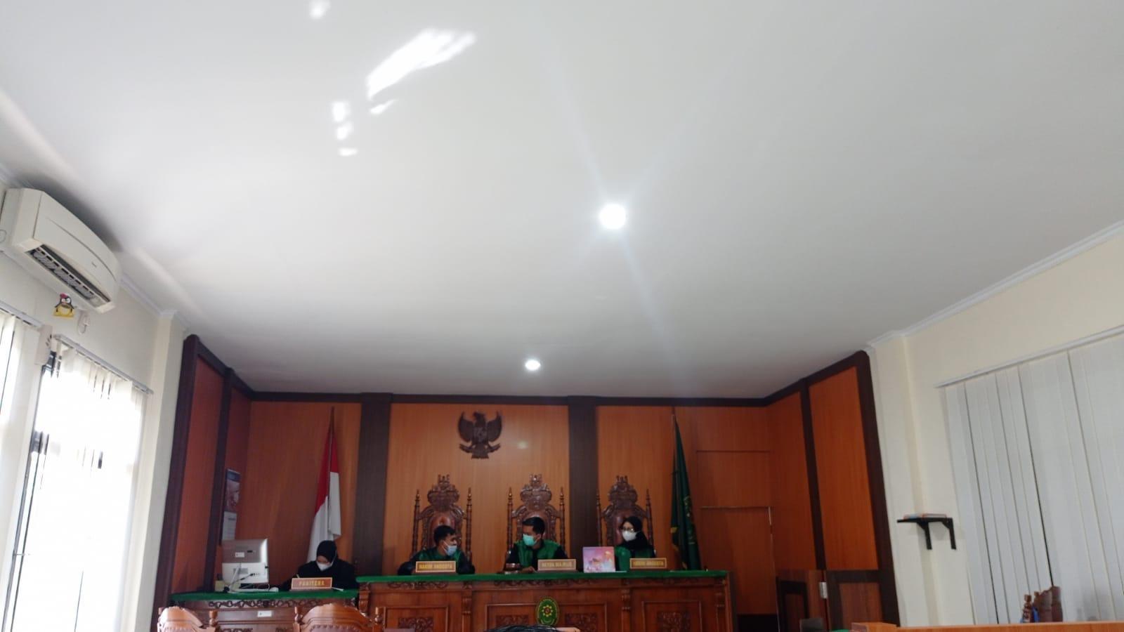 Mahasiswa PKL Prodi HKI Gelar Praktik Peradilan Semu Di Pengadilan Agama Sungailiat