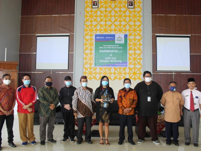 Foto Bersama dengan PT Bangka Media Grafika (Bangka Pos Group)