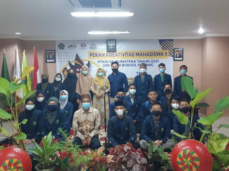 Foto Bersama dengan Pimpinan Kontingen