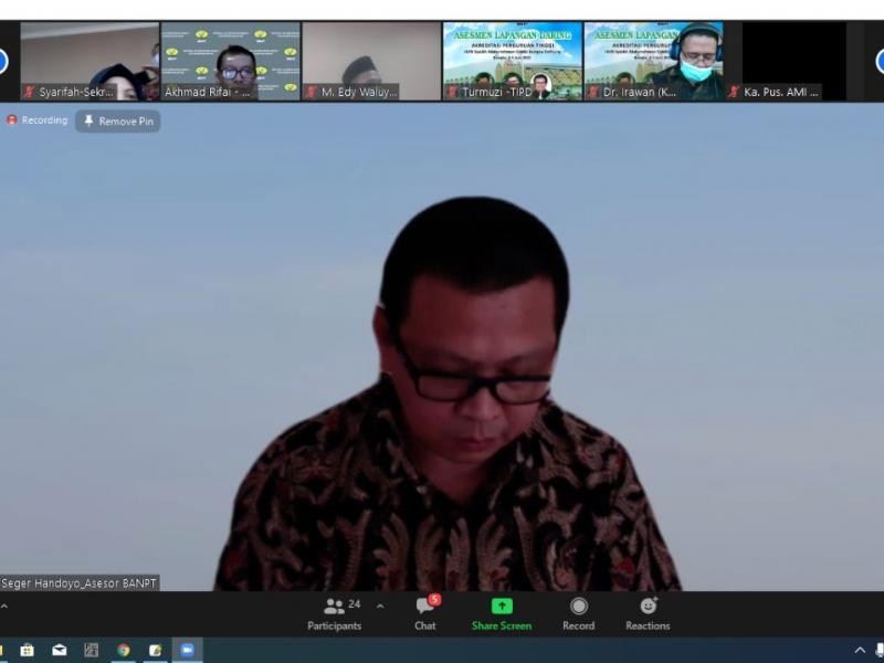 Prof. Dr. Seger Handoyo(Asesor II)