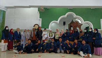 Dosen FSEI dan Mahasiswa HKI IAIN SAS Babel Mengkalibrasi Jam Masjid di Kota Pangkalpinang