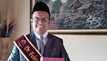 Febrino, S.Pd.I.,  M.A Sukses Raih Gelar Doktor di UIN Imam Bonjol