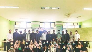 Gelar Forum Group Discussion (FGD), HIMA Prodi TBI Bangkitkan Semangat Para Mahasiswa