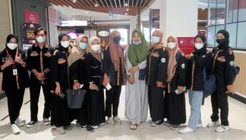 Mahasiswa Jurnalistik Islam IAIN SAS Babel Liput Berita Vaksinasi Massal di Transmart Kota Pangkalpinang
