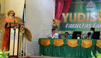 Yudisium Fakultas Tarbiyah oleh Dekan Fakultas