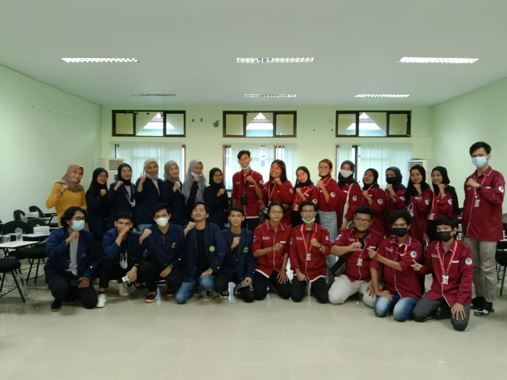 Tingkatkan Skill Sesama Mahasiswa Jurusan Bahasa Inggris, HIMA TBI Kedatangan HIMA SASING UBB